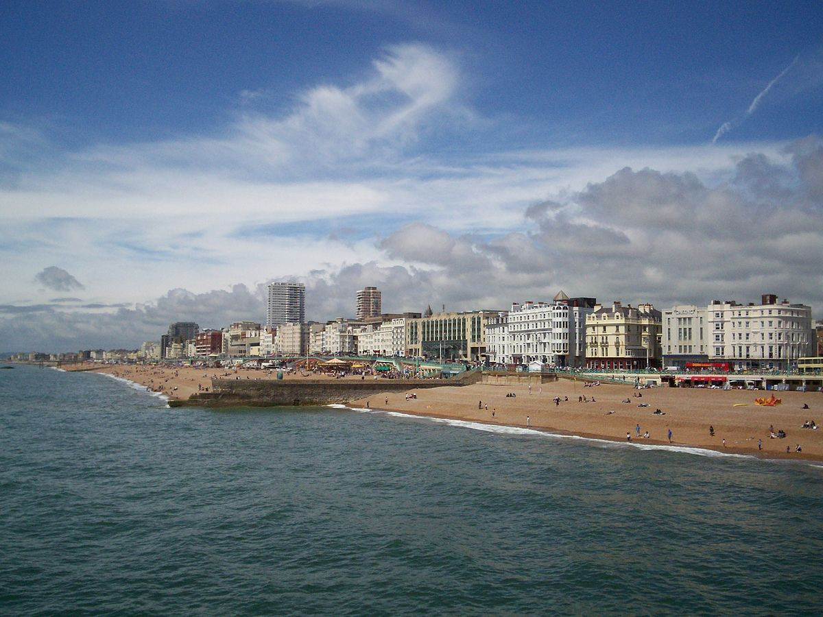 The best hotels in Brighton England are a great base for enjoying beaches like this one ... photo by CC user ZivojinMisic slike on wikimedia