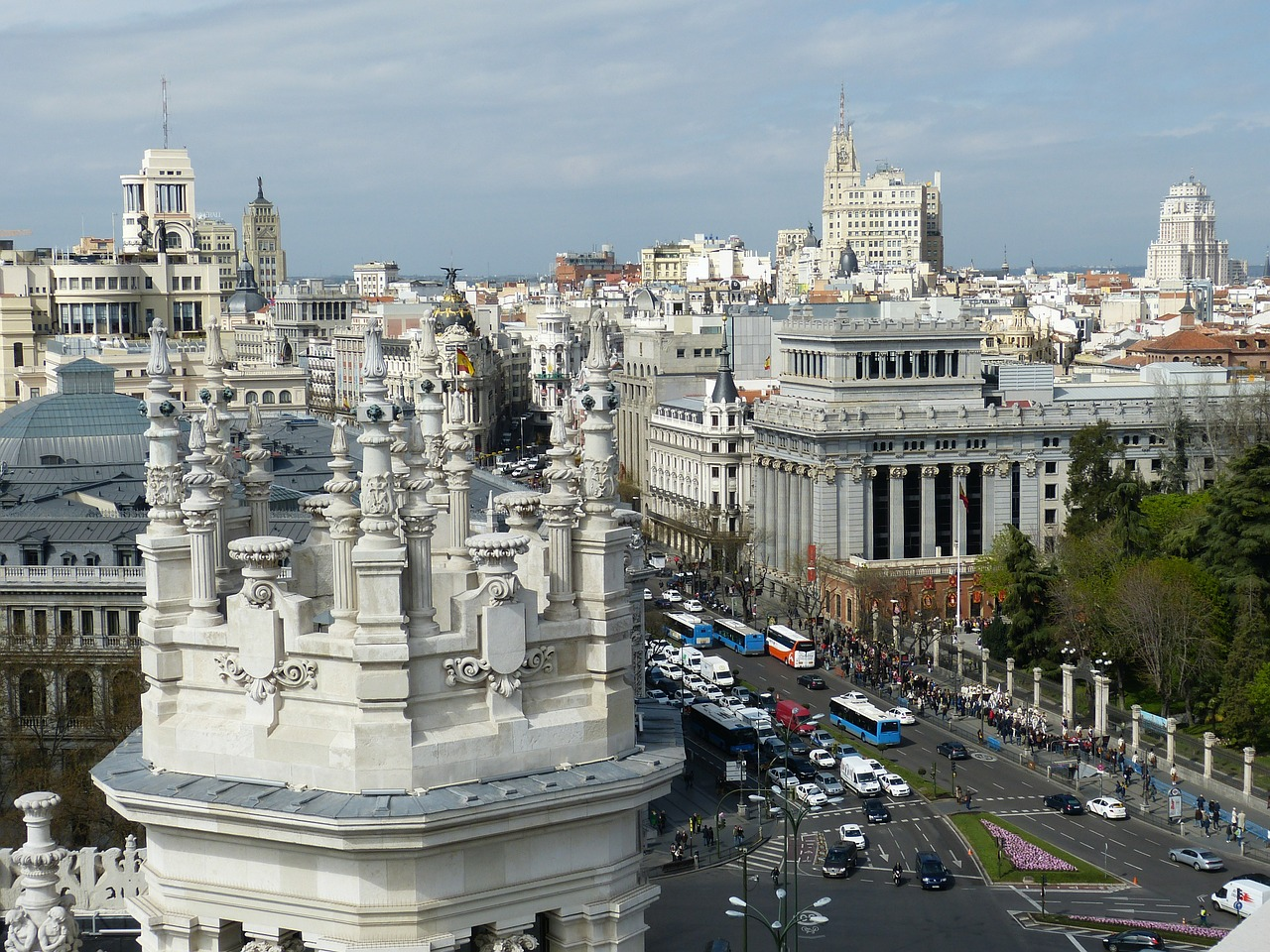 Madrid is a great place to avoid a drizzly autumn ... photo by CC user falco on pixabay