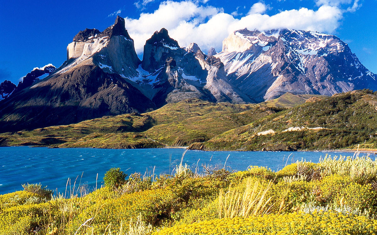 Chile is one of the countries you should visit before you die, and views like this are part of the reason why ... photo by CC user Miguel Vieira via wikimedia commons (public domain)